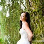 Piękna Pani Młoda w plenerze ślubnym